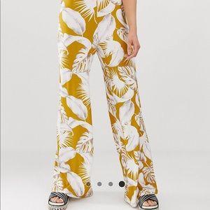 ASOS Tall Sz 8 Wide Leg Palm Print knit pants